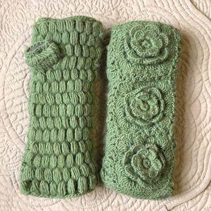 Green Wool Fingerless Gloves